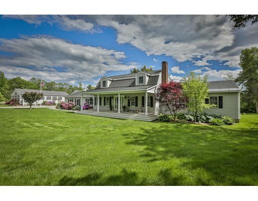 Casa Unifamiliar por un Venta en 10 Locust Street South Hampton, Nueva Hampshire 03827 Estados Unidos