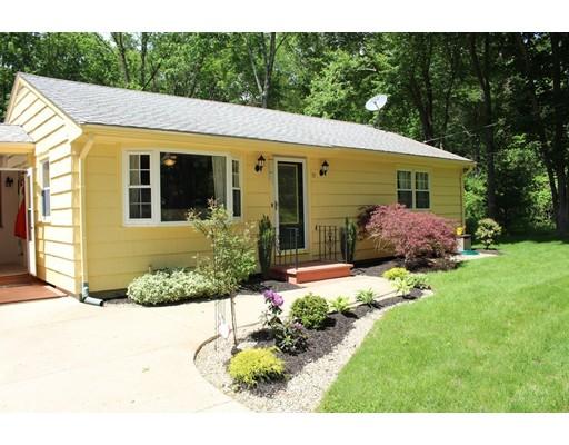 واحد منزل الأسرة للـ Sale في 15 Thayer Street Millville, Massachusetts 01529 United States