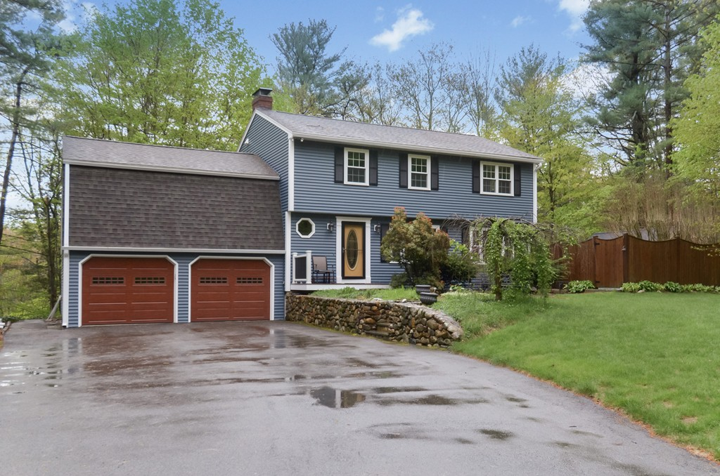Property for sale at 6 Canterbury Dr, Georgetown,  MA 01833