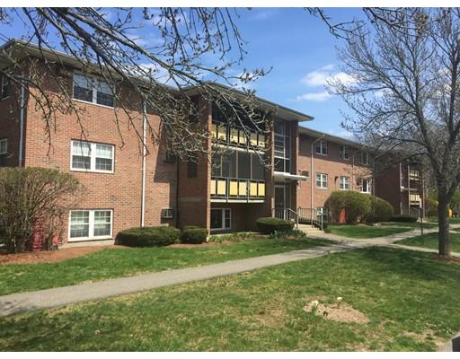 Casa Unifamiliar por un Alquiler en 213 Rock Street Norwood, Massachusetts 02062 Estados Unidos