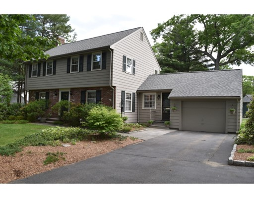 Casa Unifamiliar por un Venta en 126 Berwick Place Norwood, Massachusetts 02062 Estados Unidos