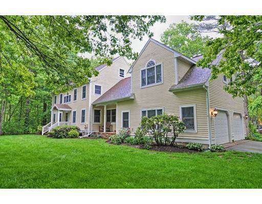 Maison unifamiliale pour l Vente à 286 Birchbark Drive 286 Birchbark Drive Hanson, Massachusetts 02341 États-Unis