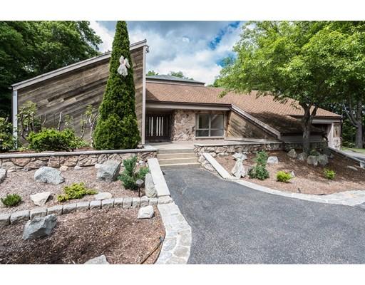 واحد منزل الأسرة للـ Sale في 110 Palisades Circle Stoughton, Massachusetts 02072 United States