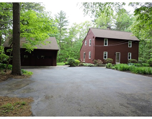 Single Family Home for Sale at 161 Berry Corner Road Charlton, Massachusetts 01507 United States