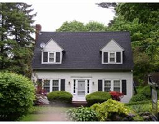 Casa Unifamiliar por un Venta en 142 Oakland Street 142 Oakland Street Wellesley, Massachusetts 02481 Estados Unidos