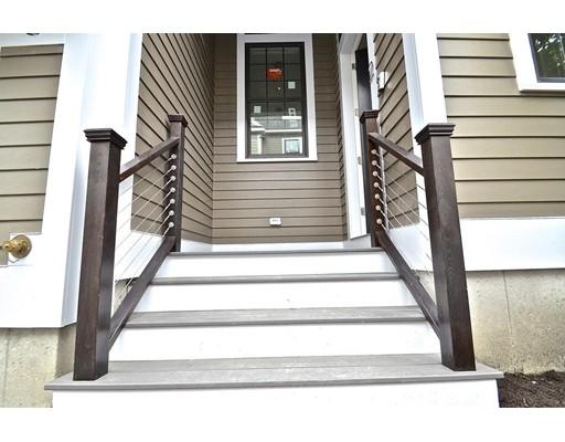Additional photo for property listing at 39 Elmwood Street  Somerville, Massachusetts 02144 United States