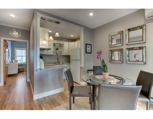 Casa Unifamiliar por un Alquiler en 15 Dixfield Boston, Massachusetts 02127 Estados Unidos