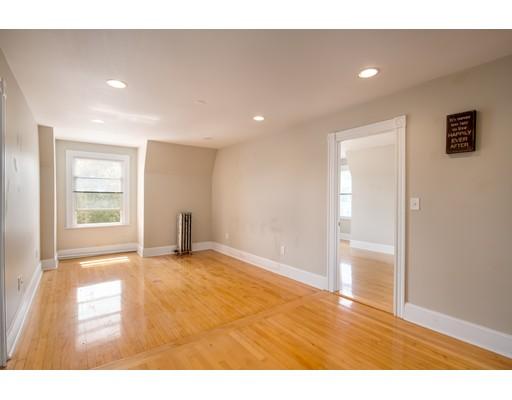 Casa Unifamiliar por un Alquiler en 437 High Street Medford, Massachusetts 02155 Estados Unidos