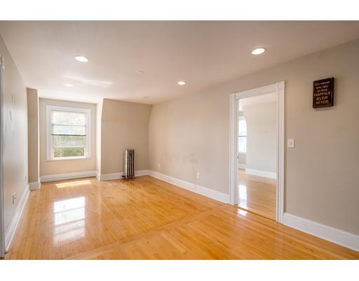 Additional photo for property listing at 437 High Street  Medford, Massachusetts 02155 Estados Unidos