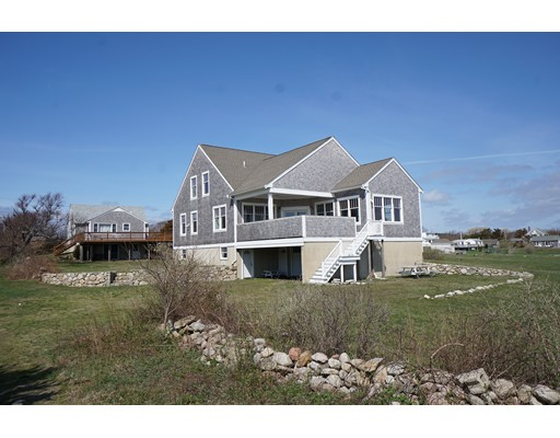 Maison unifamiliale pour l Vente à 300 Brayton Point Road Westport, Massachusetts 02790 États-Unis