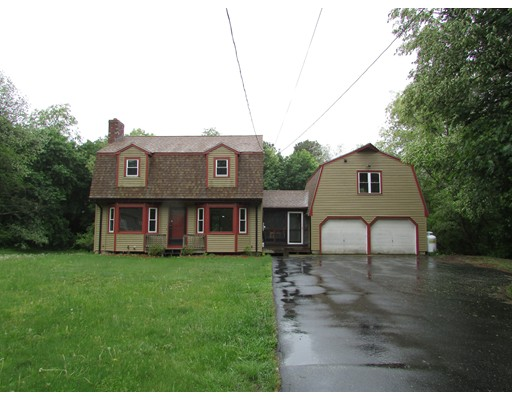 Single Family Home for Sale at 154 Lakeshore Drive Blackstone, Massachusetts 01504 United States