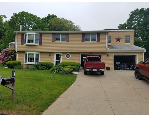 990 Longview Dr, North Attleboro, MA 02760