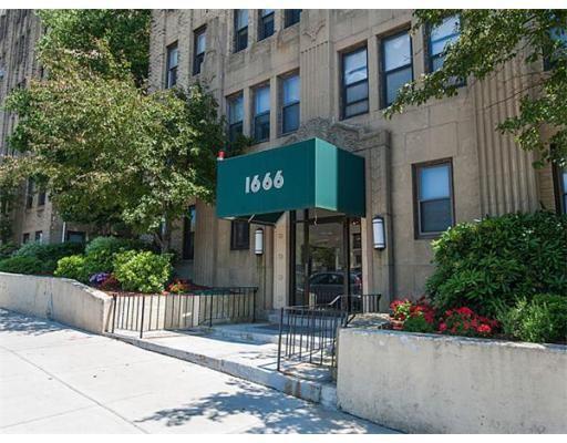 Additional photo for property listing at 1666 Commonwealth Avenue  Boston, Massachusetts 02135 Estados Unidos