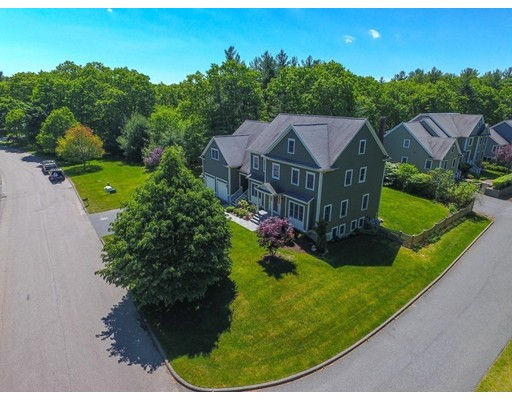 Single Family Home for Sale at 21 Boyden Road Medfield, Massachusetts 02052 United States
