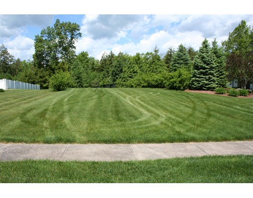 Land for Sale at Address Not Available Southwick, Massachusetts 01077 United States