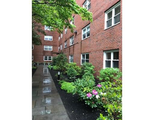 Casa Unifamiliar por un Alquiler en 131 Sewall Brookline, Massachusetts 02446 Estados Unidos