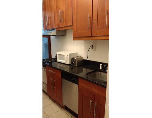Casa Unifamiliar por un Alquiler en 8 Garrison Street Boston, Massachusetts 02116 Estados Unidos