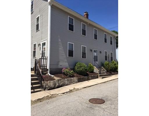 Maison avec plusieurs logements pour l Vente à 215 Main Street Blackstone, Massachusetts 01504 États-Unis
