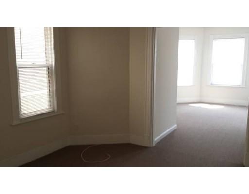 Casa Unifamiliar por un Alquiler en 280 Maverick Street Boston, Massachusetts 02128 Estados Unidos