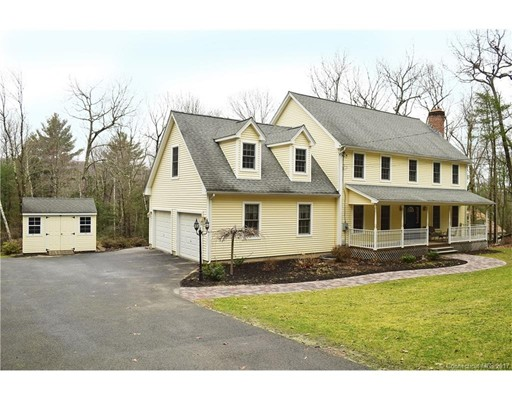 Casa Unifamiliar por un Venta en 35 Hopyard Road Stafford, Connecticut 06076 Estados Unidos