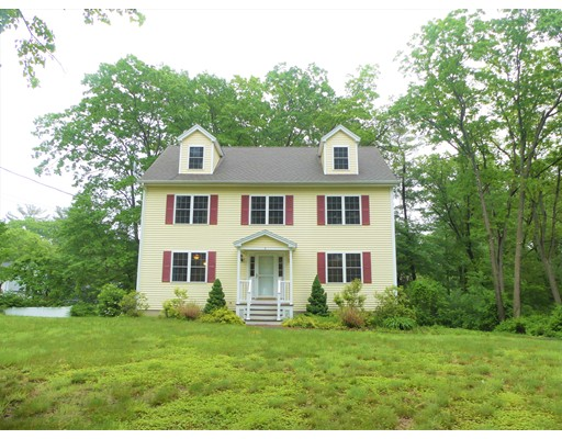 Maison unifamiliale pour l à louer à 5 Lee Street Wilmington, Massachusetts 01887 États-Unis