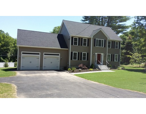 Single Family Home for Sale at 2 Quissett Road Mendon, Massachusetts 01756 United States