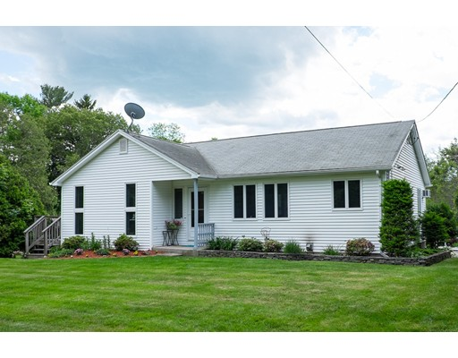 Single Family Home for Sale at 32 County Home Road Thompson, Connecticut 06277 United States