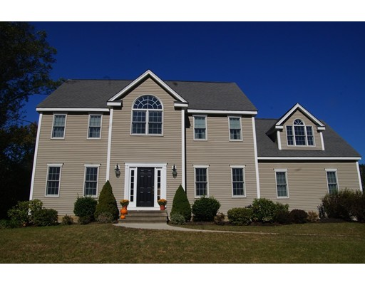 Casa Unifamiliar por un Venta en 128 Plantation Circle Norwood, Massachusetts 02062 Estados Unidos