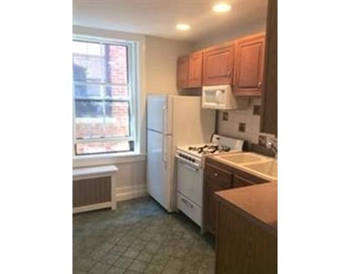 Casa Unifamiliar por un Alquiler en 11 Irving Boston, Massachusetts 02114 Estados Unidos