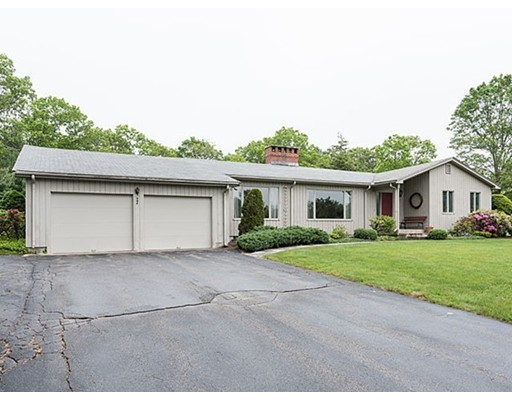 1 Stillmeadow Ter, Weston, MA 02493