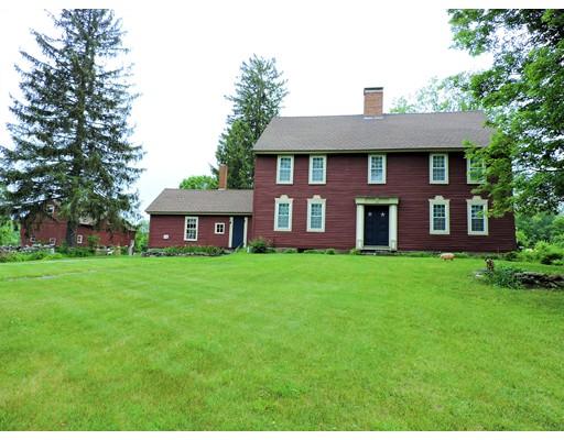 Maison unifamiliale pour l Vente à 100 Upper Road 100 Upper Road Stafford, Connecticut 06076 États-Unis