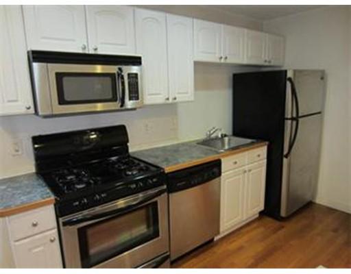 Casa Unifamiliar por un Alquiler en 682 East 7th Street Boston, Massachusetts 02127 Estados Unidos