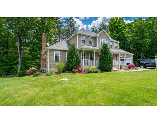 Maison unifamiliale pour l Vente à 5 Harding Lane Sturbridge, Massachusetts 01518 États-Unis