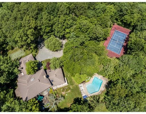 Maison unifamiliale pour l Vente à 2 Clarks Cove Drive 2 Clarks Cove Drive Dartmouth, Massachusetts 02748 États-Unis
