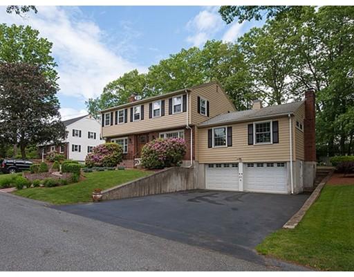 واحد منزل الأسرة للـ Sale في 28 Rindo Park Drive Lowell, Massachusetts 01851 United States