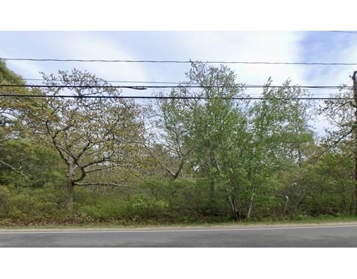 Terrain pour l Vente à 134 Old County Road 134 Old County Road West Tisbury, Massachusetts 02575 États-Unis