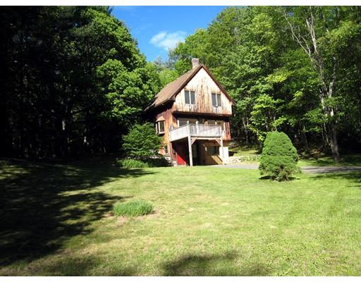 Casa Unifamiliar por un Venta en 140 Dudleyville Road 140 Dudleyville Road Leverett, Massachusetts 01054 Estados Unidos