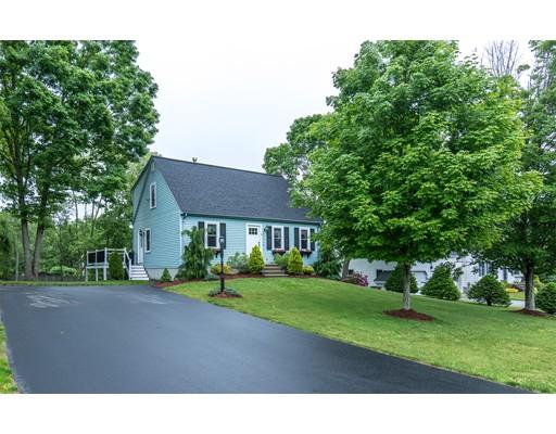 Maison unifamiliale pour l Vente à 5 Monica Lane Blackstone, Massachusetts 01504 États-Unis