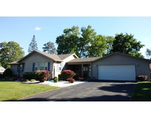 واحد منزل الأسرة للـ Sale في 47 Coolidge Avenue 47 Coolidge Avenue Ludlow, Massachusetts 01056 United States