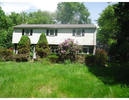 Casa Unifamiliar por un Venta en 447 Holmes Street Hanson, Massachusetts 02341 Estados Unidos