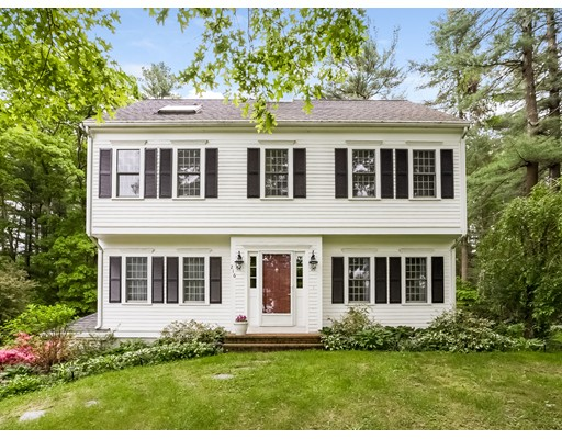 واحد منزل الأسرة للـ Sale في 216 Cranberry Drive Halifax, Massachusetts 02338 United States