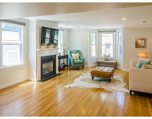 共管式独立产权公寓 为 销售 在 1 Albion Place 波士顿, 马萨诸塞州 02129 美国
