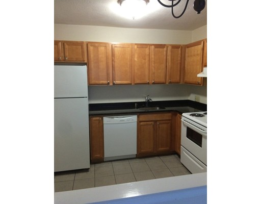 Additional photo for property listing at 12 Kendall Avenue  Framingham, Massachusetts 01702 Estados Unidos