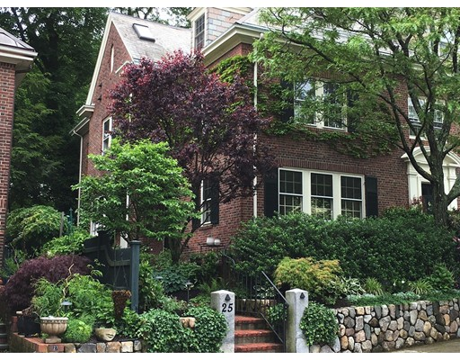 Casa Unifamiliar por un Venta en 25 Coolidge Hill Road Cambridge, Massachusetts 02138 Estados Unidos