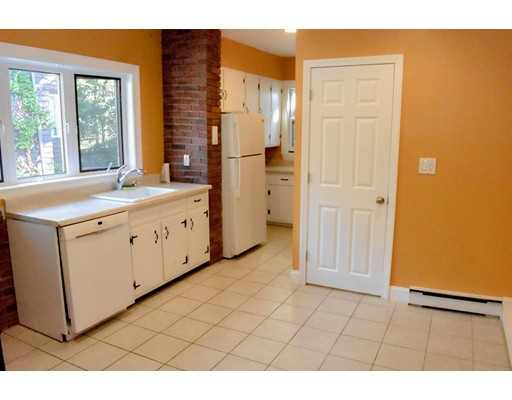 Additional photo for property listing at 92 Brayton Road  Boston, Massachusetts 02135 Estados Unidos