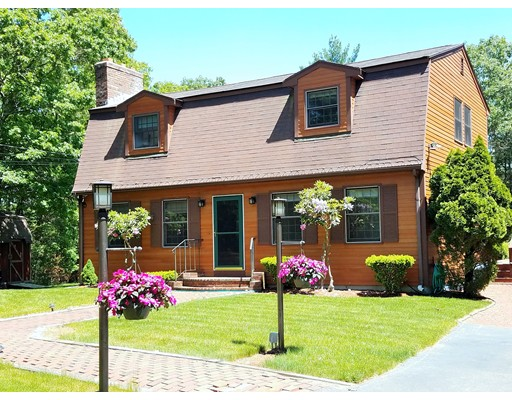独户住宅 为 销售 在 154 Seekonk Street 诺福克, 马萨诸塞州 02056 美国