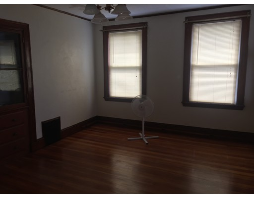 Additional photo for property listing at 164 eliot Street  Milton, Massachusetts 02186 Estados Unidos