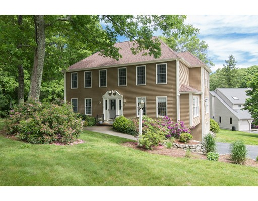 4 Rolling Meadow Drive, Holliston, MA 01746