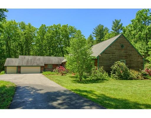 Maison unifamiliale pour l Vente à 870 Main Street Dunstable, Massachusetts 01827 États-Unis