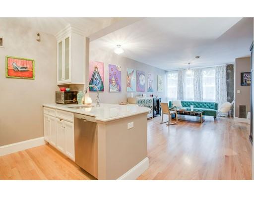 Casa Unifamiliar por un Alquiler en 42 8Th Street Boston, Massachusetts 02129 Estados Unidos